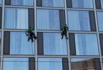 Two women rescue window cleaners who lose balance during Dubai rains
