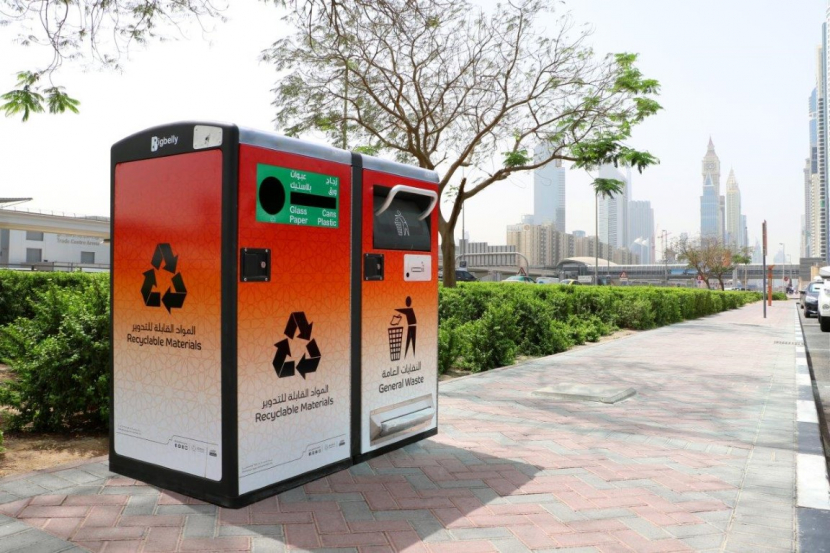 100 smart waste containers have been placed along the Sheikh Zayed Road by Dubai Municipality [image: WAM].